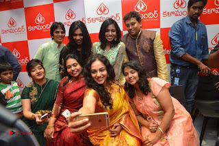Nithya Menen Pictures in Silk Saree at Kalamandir 25th Store Launch ~ Celebs Next