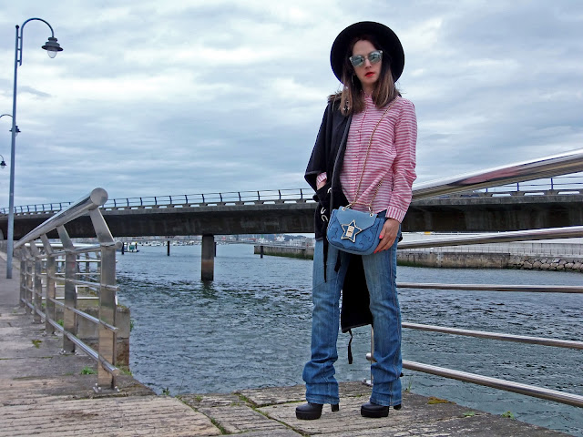 fashion, moda, look, outfit, blog, blogger, walking, penny, lane, streetstyle, style, estilo, trendy, rock, boho, chic, cool, casual, ropa, cloth, garment, inspiration, fashionblogger, art, photo, photograph, Avilés, oviedo, gijón, asturias, jeans, abrigo, chaqueton, coat, frío, pelo, furry, capa, cape,