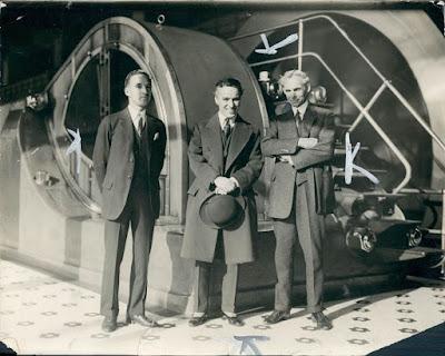 Чарльз Чаплин, Генри Форд и Эдсель Форд (1923) - 3