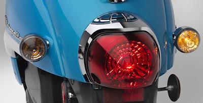2016 Honda Metropolitan taillight