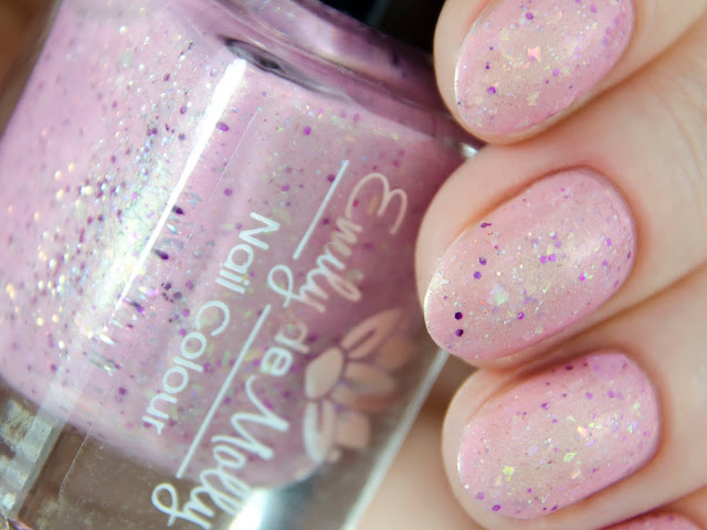 Emily de Molly Pretty Persona swatch