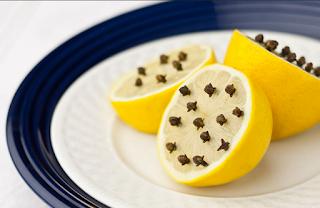 Cómo hacer un repelente para moscas para el hogar fácil y económico limon y clavo de olor
