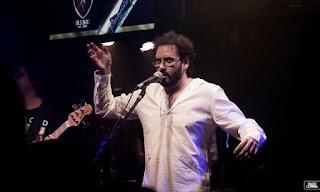 O Fenômeno voltou: Guilherme Lemos comanda a noite no La Esquina Bar