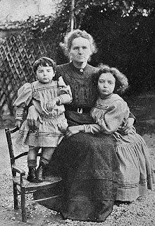 Maria z córkami - Ireną i Ewą 1908