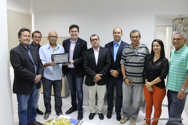 Juiz de Direito, Dr. Tito é homenageado pela CDL de Santa Cruz do Capibaribe