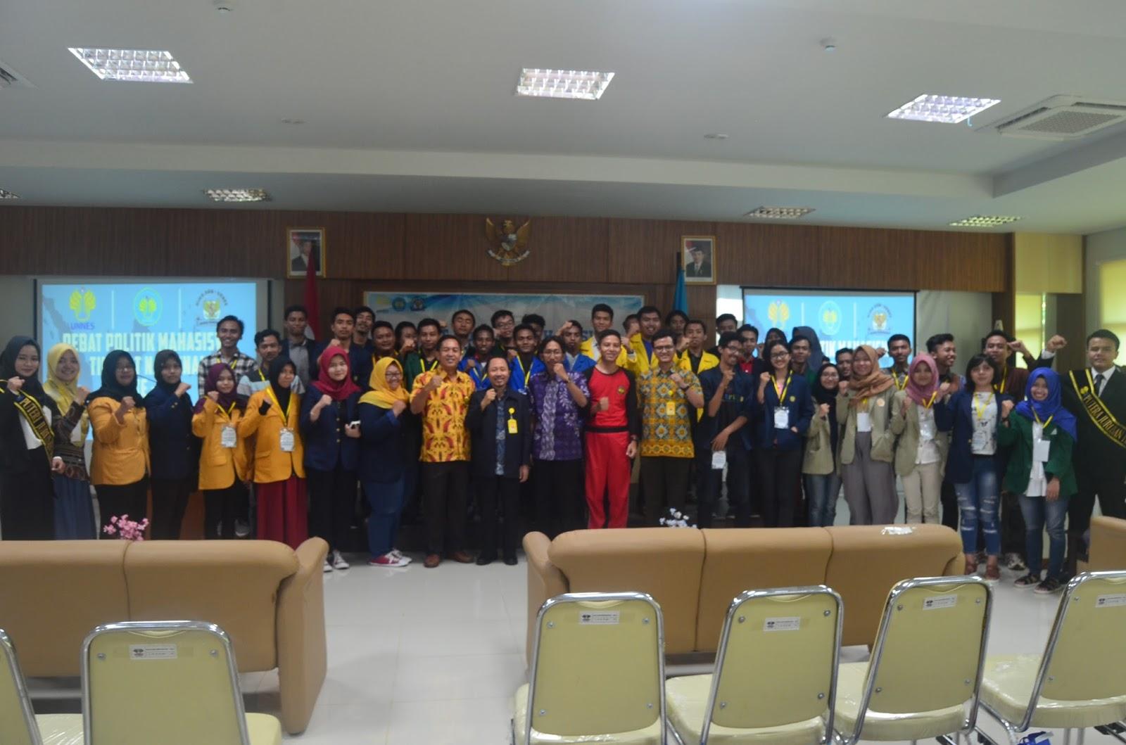 Hari #1 Debat Politik Mahasiswa Nasional Unnes 2017