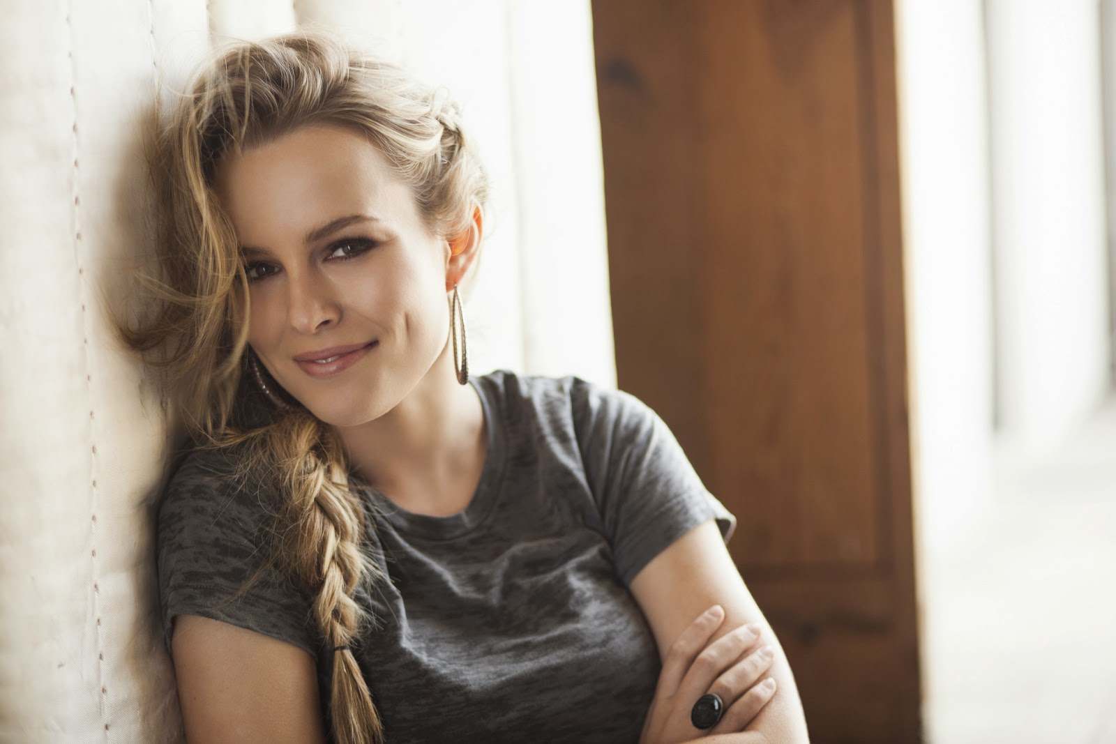 Bridgit Mendler photo