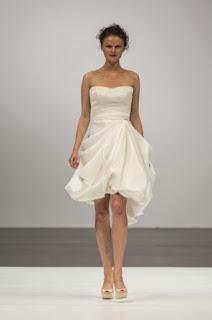 Vestido curto simples para casamento à tarde