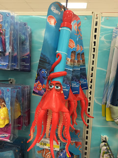 finding dory pool toys