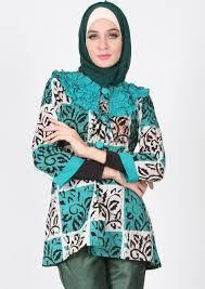 Baju Batik Pesta Wanita Muslimah