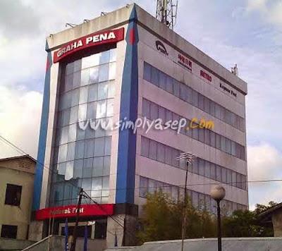GRAHA PENA PONTIANAK POST : Inilah gedung saya bekera., Saya berada di lantai 5 Gedung Graha Pena Pontianak Post.  Foto Asep Haryono