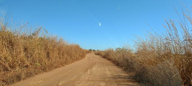 estrada de chão buraco das araras formosa