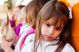 Cara mengatasi anak yang miliki rasa malu