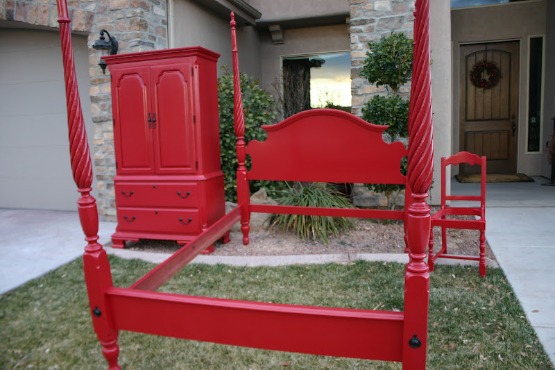 Sy Red Bedroom Set