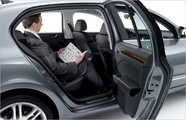 Reasons for you to hire Corporate Car Services in Paris for your company Trips