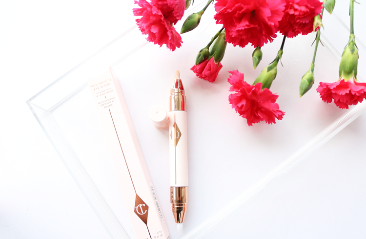 Charlotte Tilbury Mini Miracle Eye Wand - Review & Swatches 2 Light