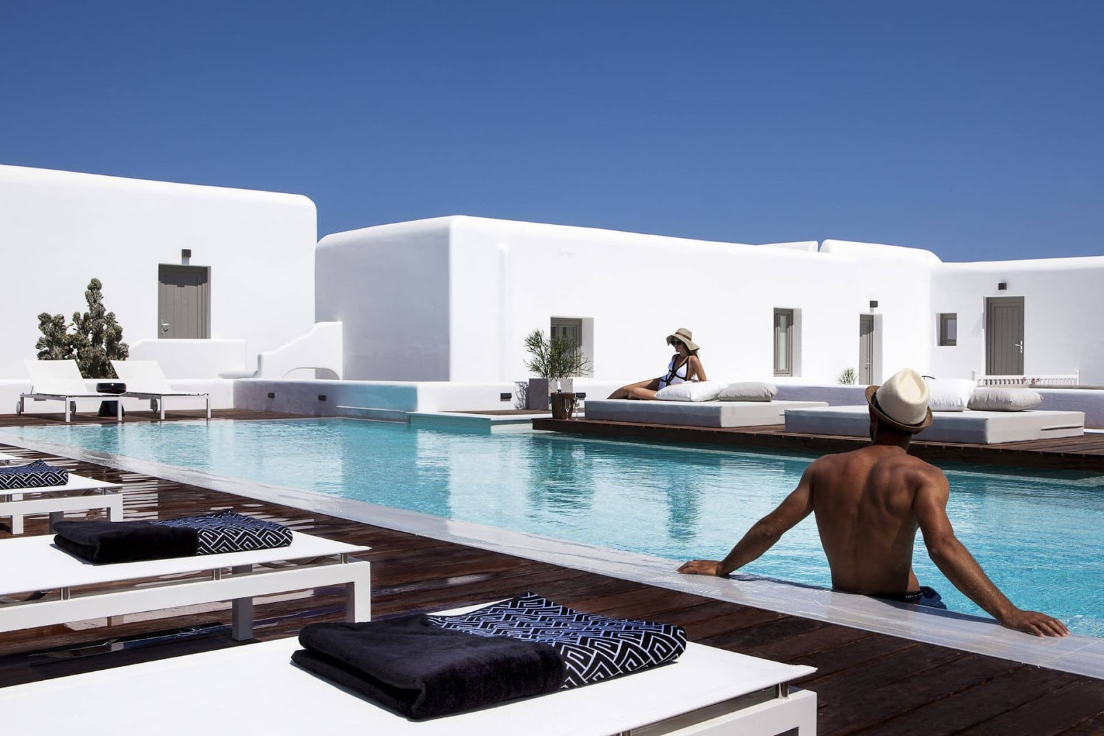 Decordemon lyo boutique hotel the new heart of mykonos for Boutique hotel vacations