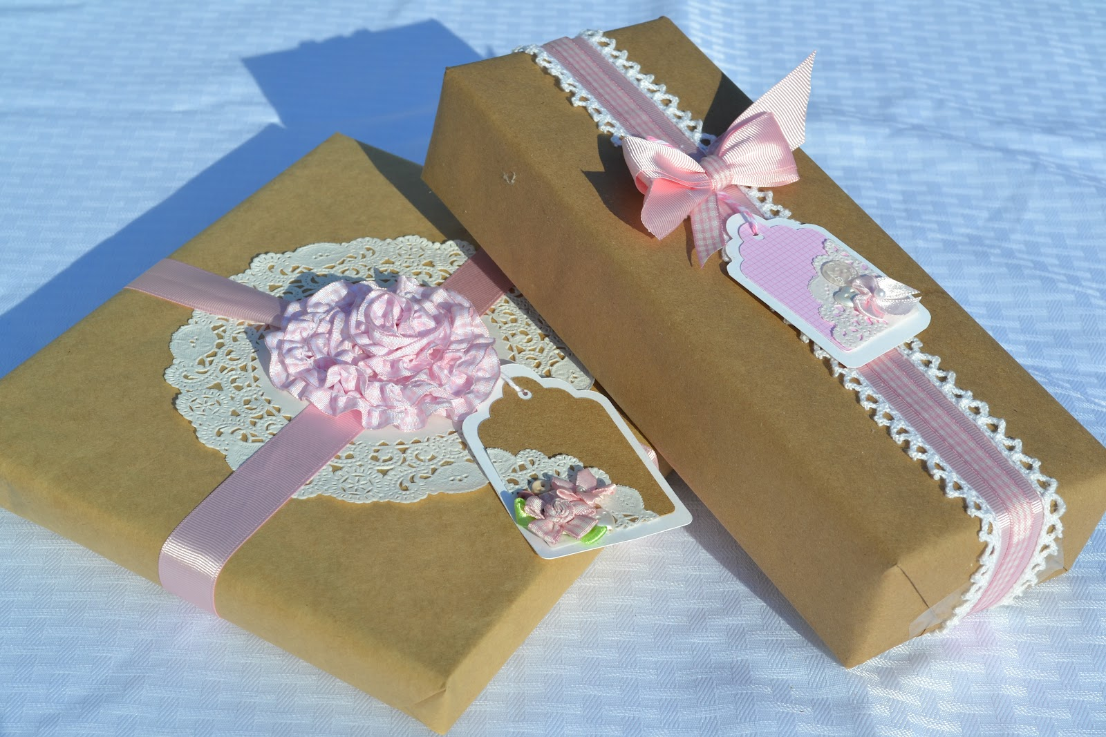 f1e2b930f133 I had the pleasure of attending another baby shower this weekend. I am in  love with wrapping in craft paper and using the bows, ribbons and tags to  express ...