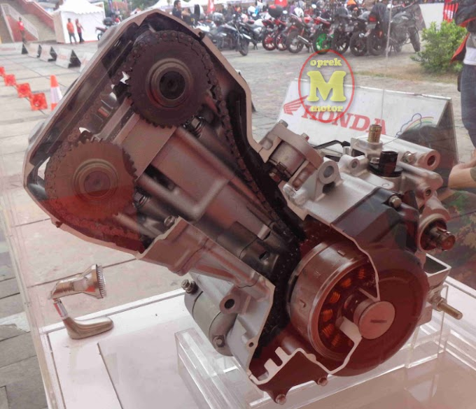 Perbandingan Spek Mesin All New CB150R Vs CBR150R Facelift 2016 - Serupa Tapi Tak Sama