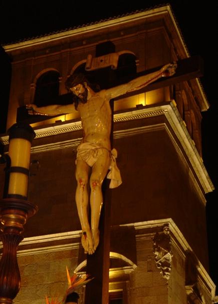 Santo Cristo del Desenclavo. Real cofradía de Minerva y Vera Cruz. Foto. F. J. Haro Gallego. 2004