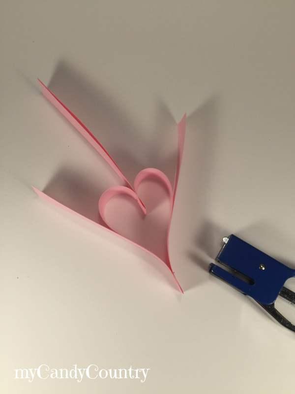 San Valentino fai-da-te: come fare un festone di cuori di carta carta e cartone home decor San Valentino fai da te