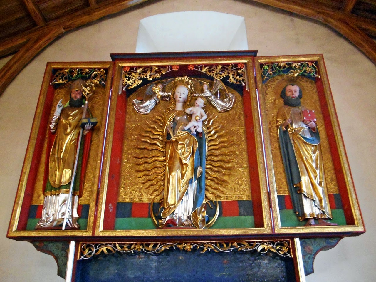Matka Boska Bolesna, Mistrz z Gościeszowic, rzeźby