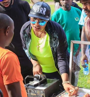 tonto dikeh repairs road abuja