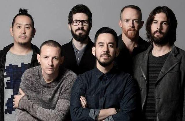 Vocalista do Linkin Park comete suicídio