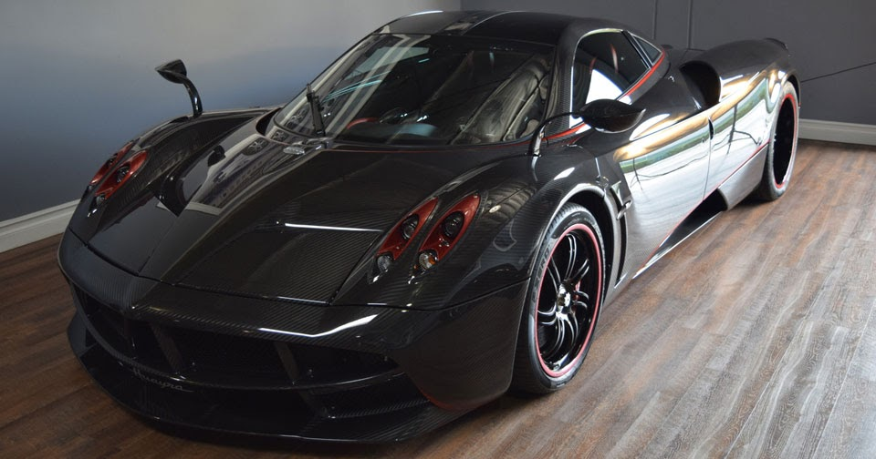 pagani huayra with gorgeous exposed carbon finish costs as much as a mclaren p1. Black Bedroom Furniture Sets. Home Design Ideas