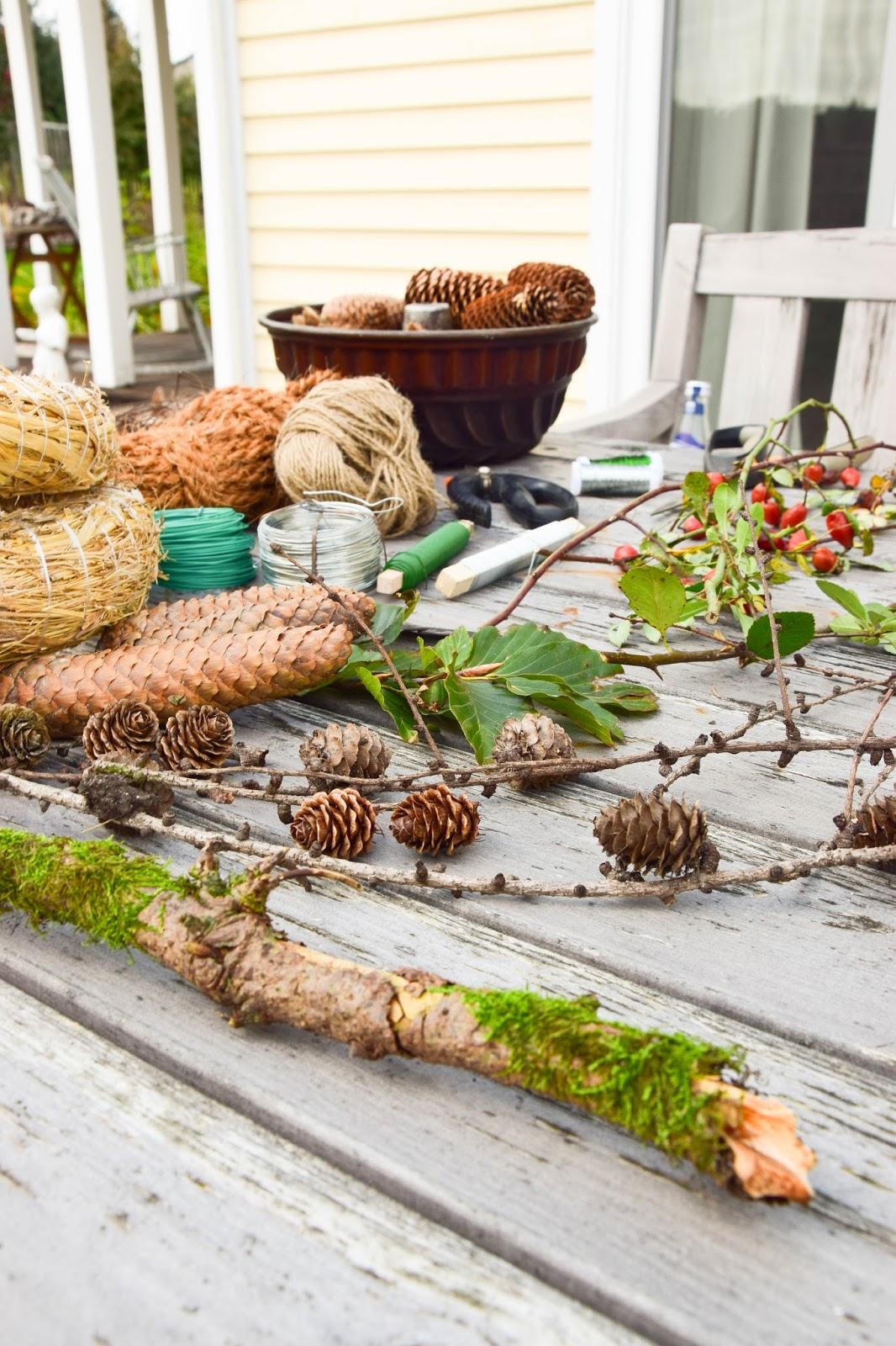 Kranz aus Moos selbermachen. DIY Mooskranz einfach und schnell für Herbst und Winter die perfekte Deko