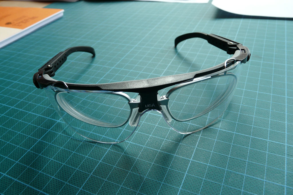 tobi 39 s holzjournal arbeitssicherheit schutzbrille. Black Bedroom Furniture Sets. Home Design Ideas