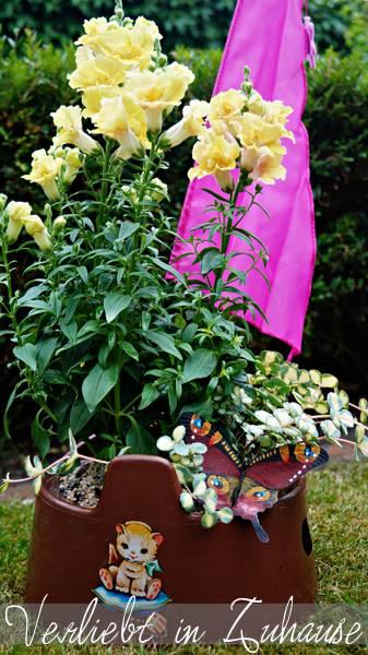 Außergewöhnliche Gartendeko und kreative Upcycling Idee: Total außergewöhnlich und Retro ist der Pipi-Pott als Gartendekoration