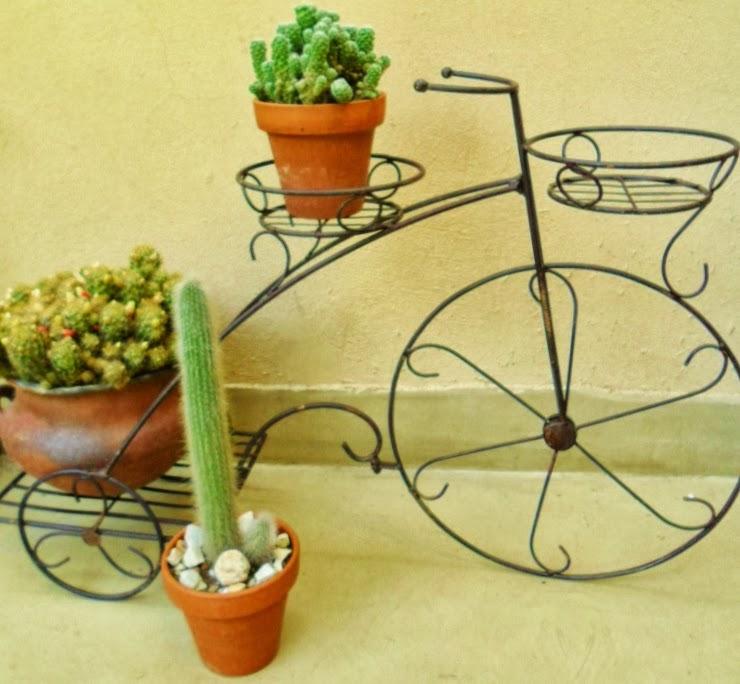 Triciclo con tres porta macetas tienda deco c for Bancas para jardin de herreria