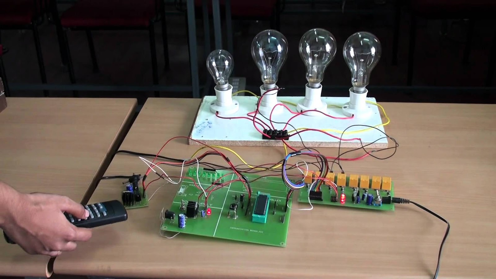 Mini Projects For You Circuit Project3v Low Battery Voltage Flasher Reaction Timer Game This Is A Simple And Funny Which Contains 10 Leds That Are Moving In An Arbitrary Fashion We Have To Target
