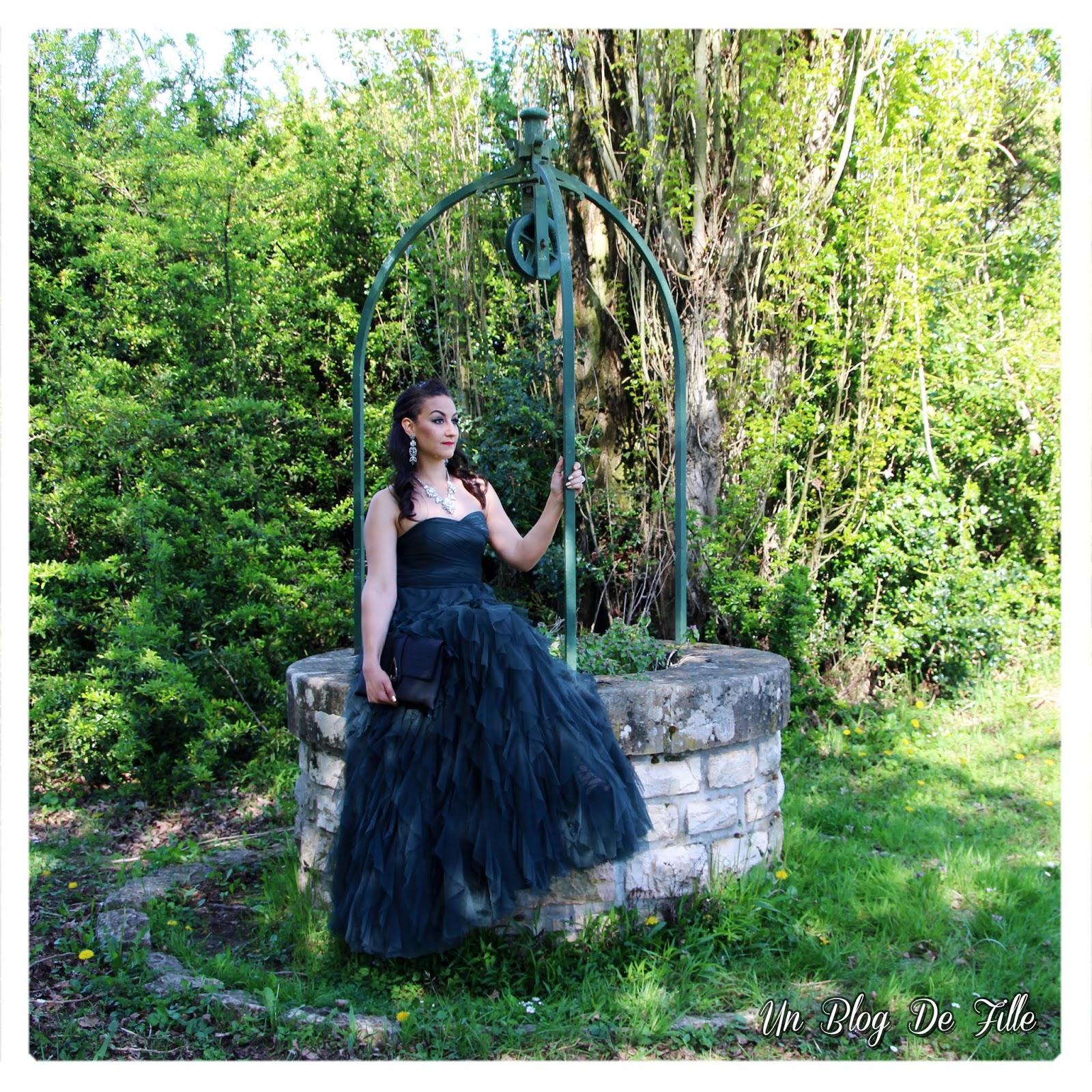 https://unblogdefille.blogspot.com/2018/05/look-de-soiree-pour-un-mariage-robe.html