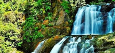 Air terjun Timbulun atau yang biasa disebut dengan air 7 tingkat surga. Tempat wisata yang satu ini terletak di Perbukitan Kelurahan Bungus Timur, Air terjun ini masih alami, bersih dan sejuk.