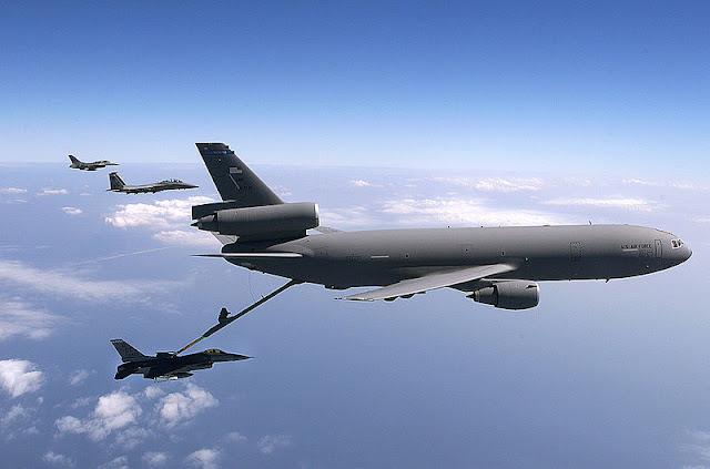Gambar 40. Foto Pesawat Angkut Militer McDonnell Douglas KC-10 Extender