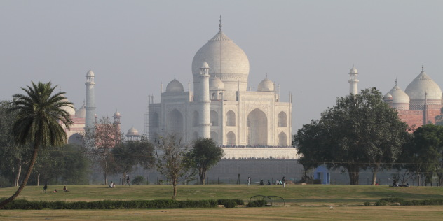 Stunning view of the Taj Mahal, Agra, India