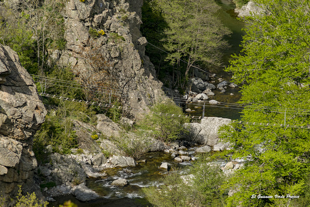 Via Ferrata de Rousses puente sobre el rio Tarnon - Lozère, Francia por El Guisante Verde Project