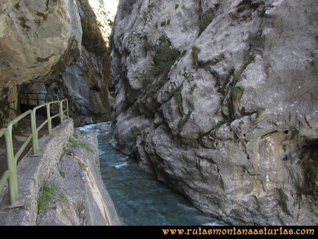 Ruta del Cares: Zona de la presa
