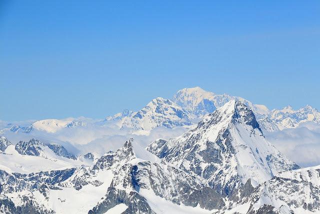 Mont Blanc widziany ze szczytu Dom