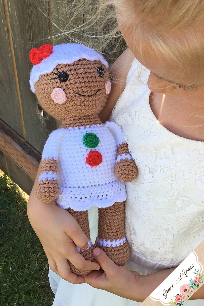 Amigurumi Gingerbread Girl A Free Crochet Pattern Grace And Yarn