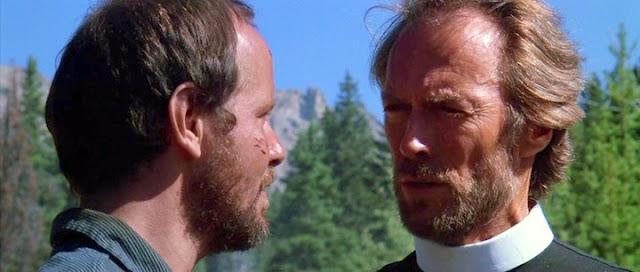 Michael Moriarty et Clint Eastwood dans Pale Rider
