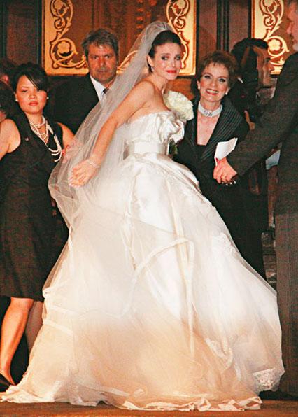Sthefany Britto vestido de noiva da Dolce Gabbana
