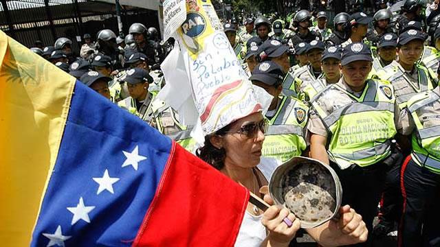 """Unidad Democrática: Este sábado se realizará la """"marcha de las ollas vacías"""""""