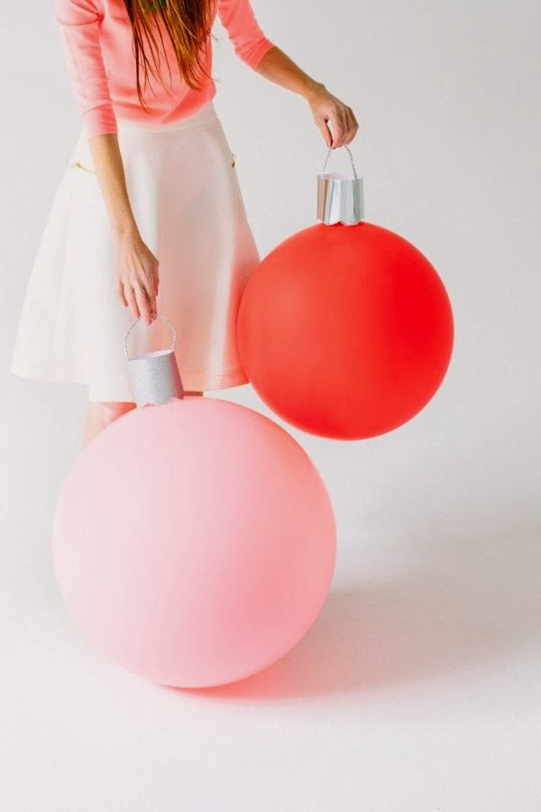 Christmas Ornament Decorating Ideas with Balloons.