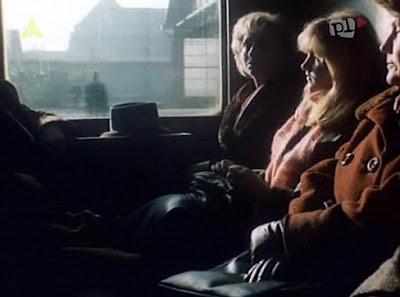 sceny w pociągu