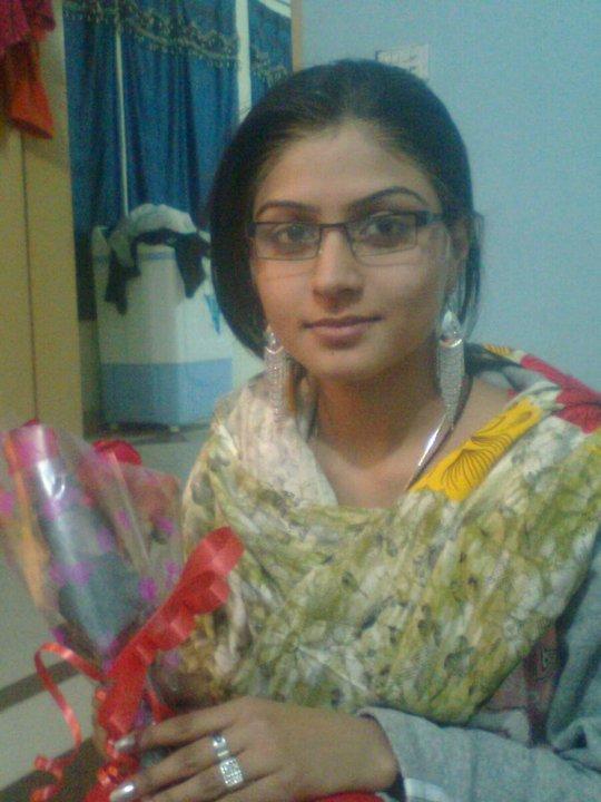 Very Beautiful Bangladeshi College Girl  Sexyblogger-9194