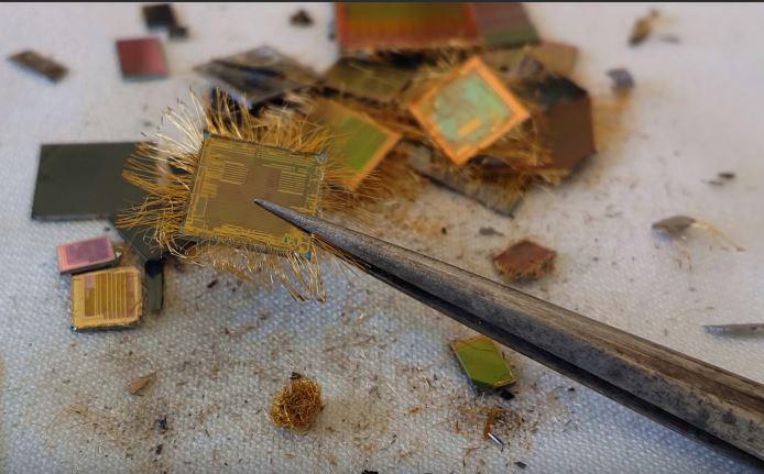 المواد المطلوبة لاستخلاص الذهب من IC Chip