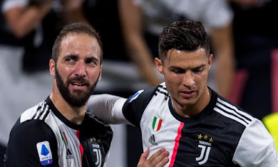 Higuain và Ronaldo